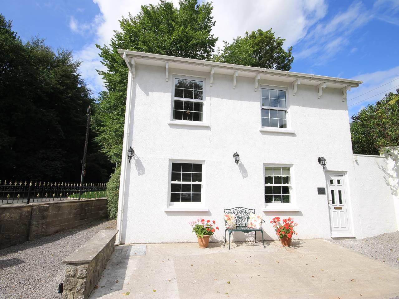 The Quail  Llwynhelig House , Cowbridge, Vale Of Glamorgan , CF71 7FF