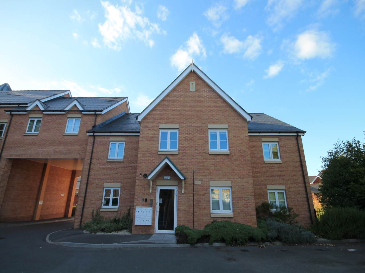 3 Castle Mews, Northview Terrace, Caerphilly, CF83 1PY
